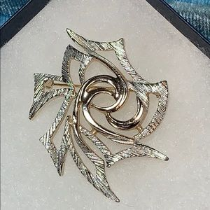 Vintage Sarah Coventry Gold and Silver Brooch